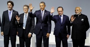 (L-R) Canadian Prime Minister Justin Trudeau, Microsoft co-founder Bill Gates, U.S. President Barack Obama, French President Francois Hollande and Indian Prime Minister Narendra Modi attend a meeting at Le Bourget, near Paris, France, Monday.  (REUTERS/Ian Langsdon/Pool)