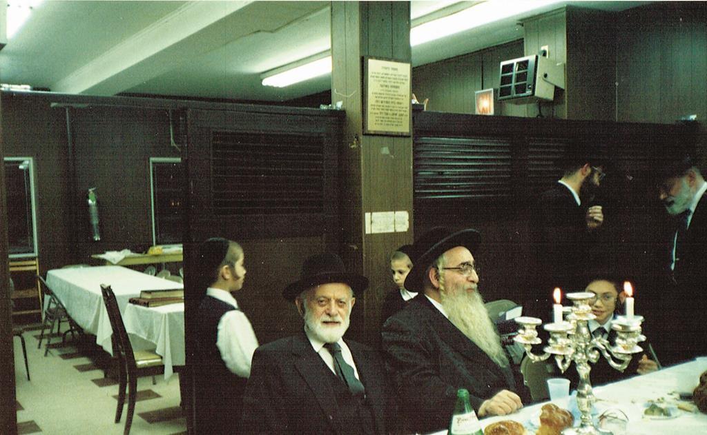 Reb Shlomo Miller's father, Chaim Ezra (L) with the Voideslover Rav, in whose shul Reb Shlomo has served as Rosh Hakahal.