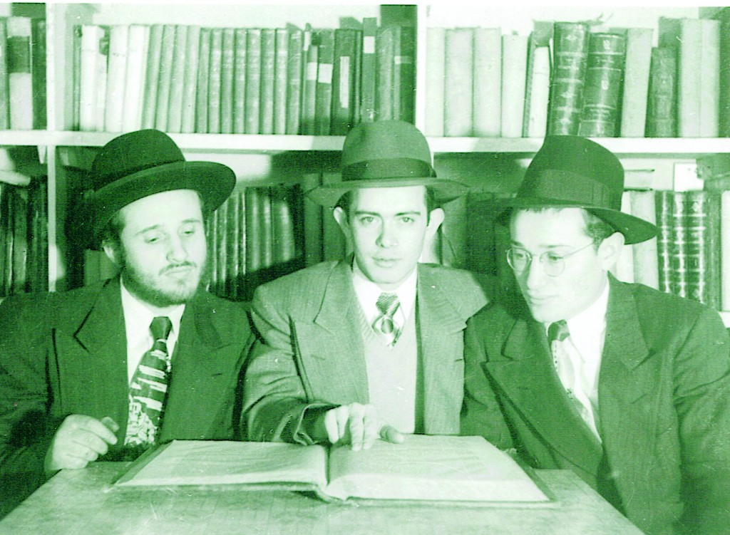 A young Shlomo Miller in the Nitra Yeshivah shortly after arriving in America. He is flanked by the brothers Mordechai Duvid (at his right) and Shabsi Reis.