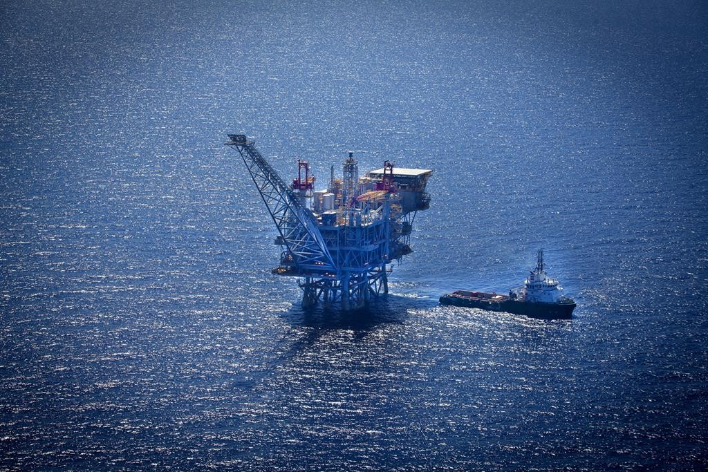 An aerial view of the Tamar gas processing rig, 16 miles off the coast of Ashkelon. (Moshe Shai/FLASH90)