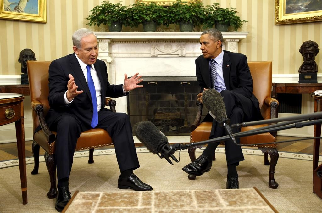 President Barack Obama meets with Israeli Prime Minister Binyamin Netanyahu in the Oval Office of the White House in Washington on Monday. (Reuters/Kevin Lamarque)