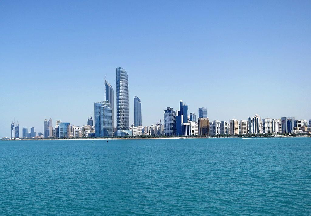 Skyline of the capital city Abu Dhabi. (FritzDaCat/ Wikipedia)