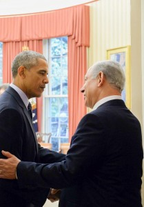 Prime Minister Binyamin Netanyahu (R) meets with U.S. president Barack Obama at the White House on Monday. (Haim Zach/GPO)