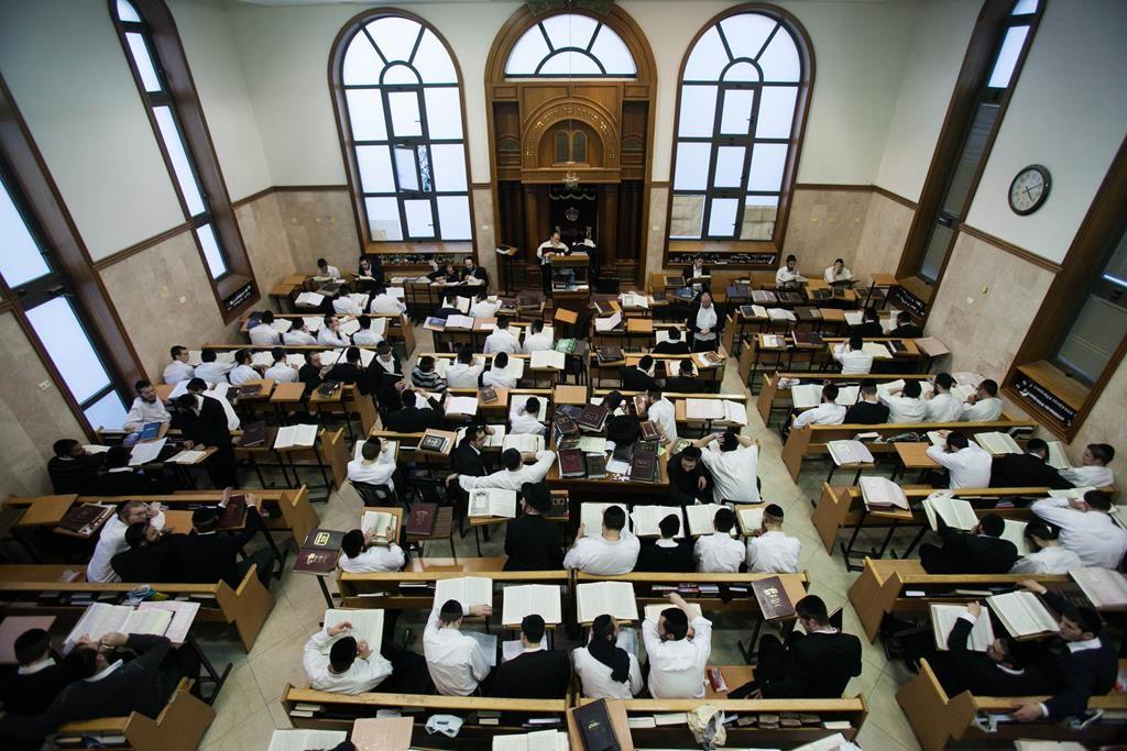 A scene in the Mirrer Yeshivah, Yerushalayim. (Yonatan Sindel/Flash90)