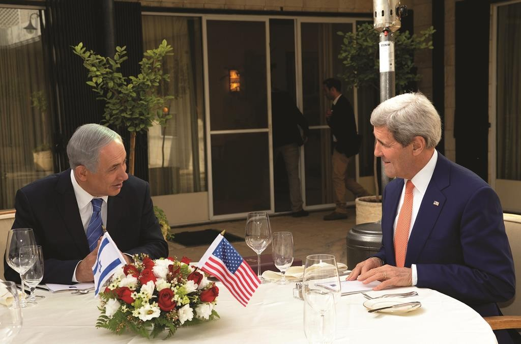 Secretary of State John Kerry meets with Prime Minister Binyamin Netanyahu at the Prime Minister's Residence in Yerushalayim, Tuesday. (Haim Zach/GPO)