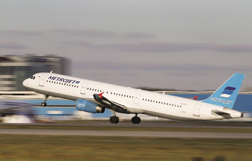 The Metrojet's Airbus A321, which crashed in the Sinai Peninsula, takes off from Moscow's Domodedovo Airport, Russia, in this picture taken October 20, 2015. (REUTERS/Marina Lystseva)