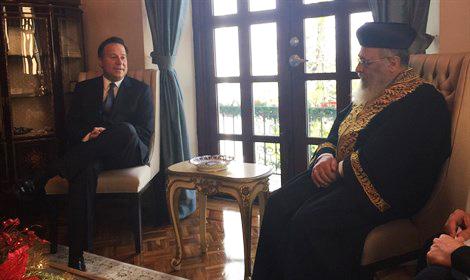Harav Yiztchak Yosef (R) meets with Panama Preseident