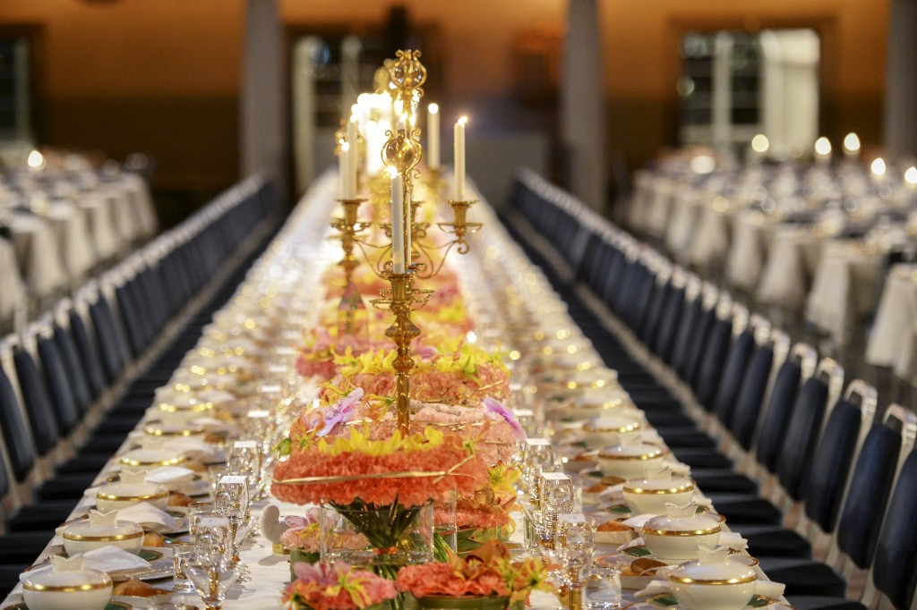 The Table of Honor is set, waiting for the guests to arrive for the 2015 Nobel prize award banquet in Stockholm City Hall, on Thursday. (Reuters/Fredrik Sandberg/TT News Agency)