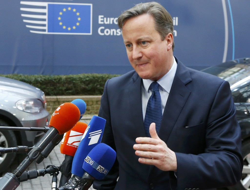 Britain's Prime Minister David Cameron arrives at a European Union leaders summit in Brussels December 17, 2015. EU leaders are due to discuss migrants crises and David Cameron's demands for reform of the bloc ahead of a referendum he plans to hold by the end of 2017 on Britain's continued memebership. REUTERS/Yves Herman