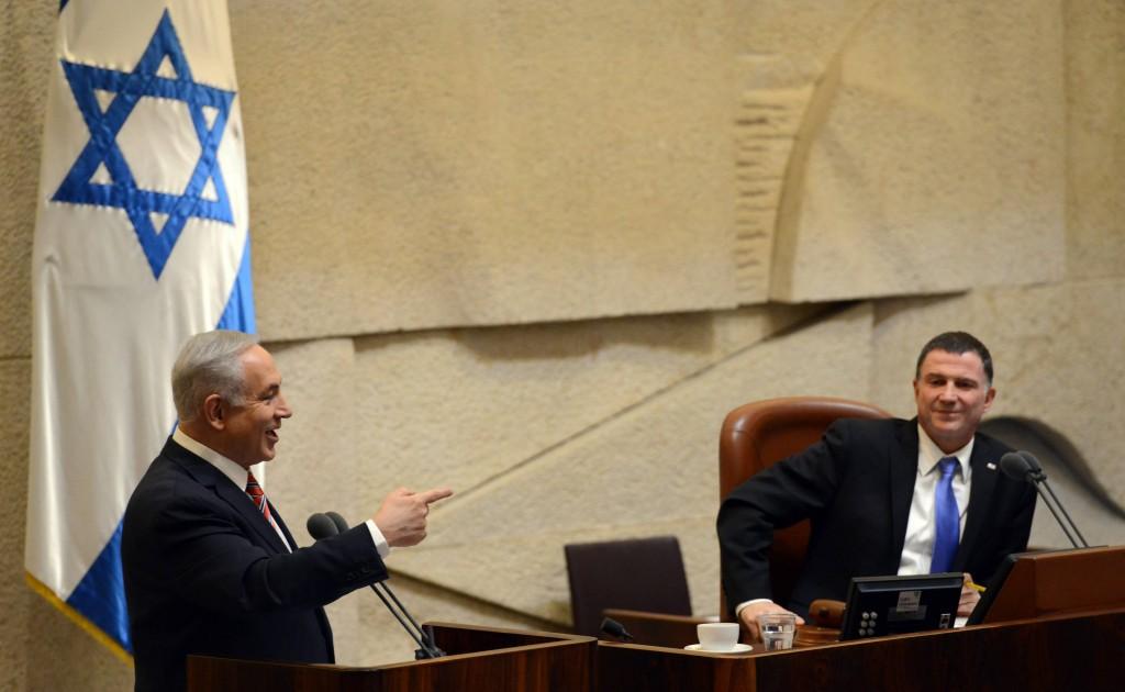 Prime Minister Binyamin Netanyahu addressing the Knesset on Wednesday, with Speaker Yuli Edelstein presiding. (Haim Zach/GPO)