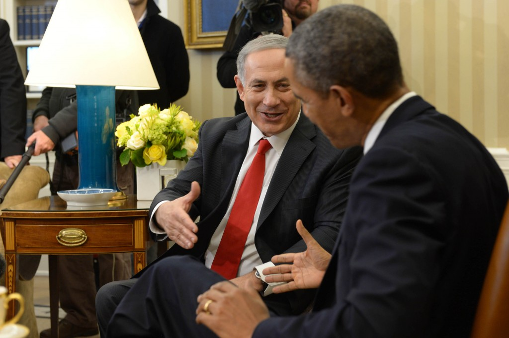 Israeli Prime Minister Benjamin Netanyahu (L) meets with U.S. President Barack Obama, at the White House on March 3, 2014. (Avi Ohayon/GPO/Flash90)