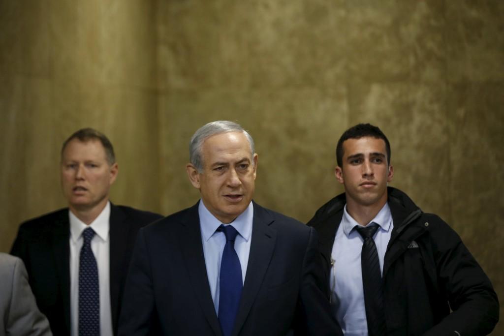 Israeli Prime Minister Benjamin Netanyahu arrives for the weekly cabinet meeting in Jerusalem December 13, 2015. REUTERS/Baz Ratner