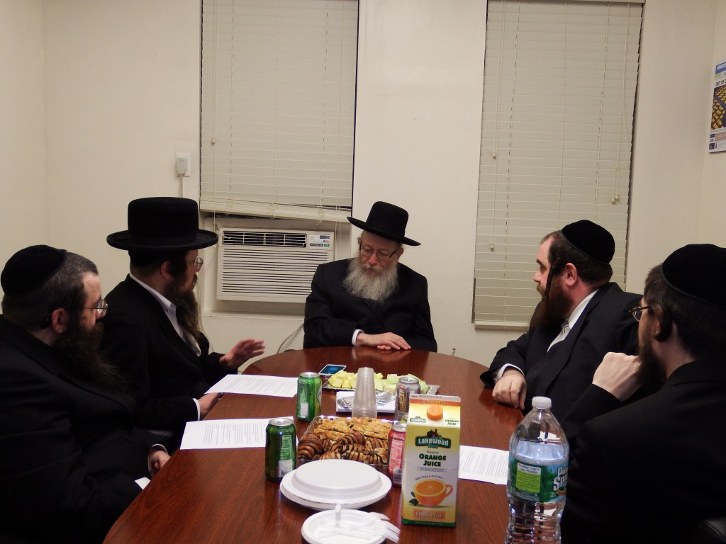 Israeli Health Minister Rabbi Yaakov Litzman on Thursday meeting with members of Hamodia's editorial board. (Hamodia Photo)