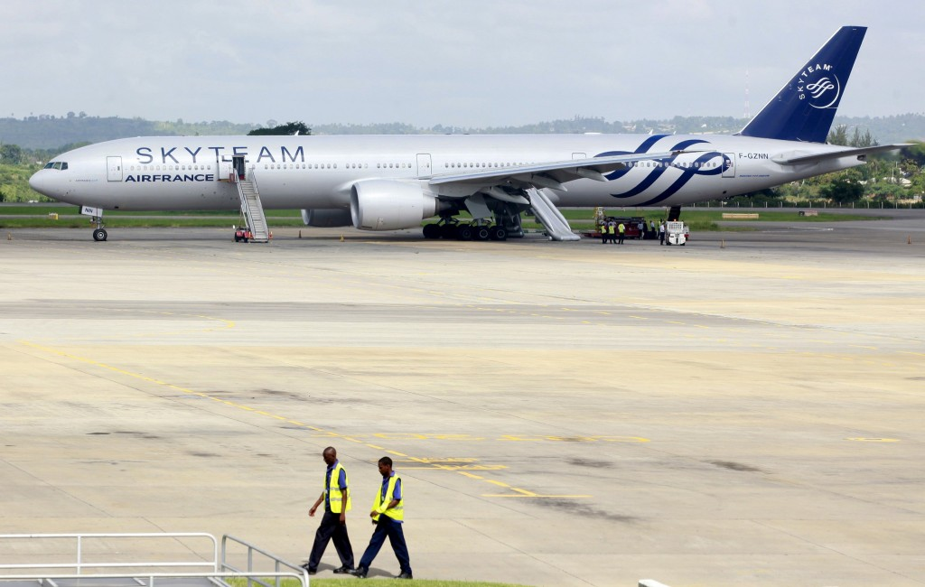 A view of an Air France Boeing 777 aircraft that made an emergency landing is pictured at Moi International Airport in Kenya's coastal city of Mombasa, December 20, 2015. An Air France flight from Mauritius diverted and made an emergency landing at Kenya's port city of Mombasa after a suspicious device was found in a toilet, Kenya's head of police and the airline said on Sunday. REUTERS/Joseph Okanga TPX IMAGES OF THE DAY