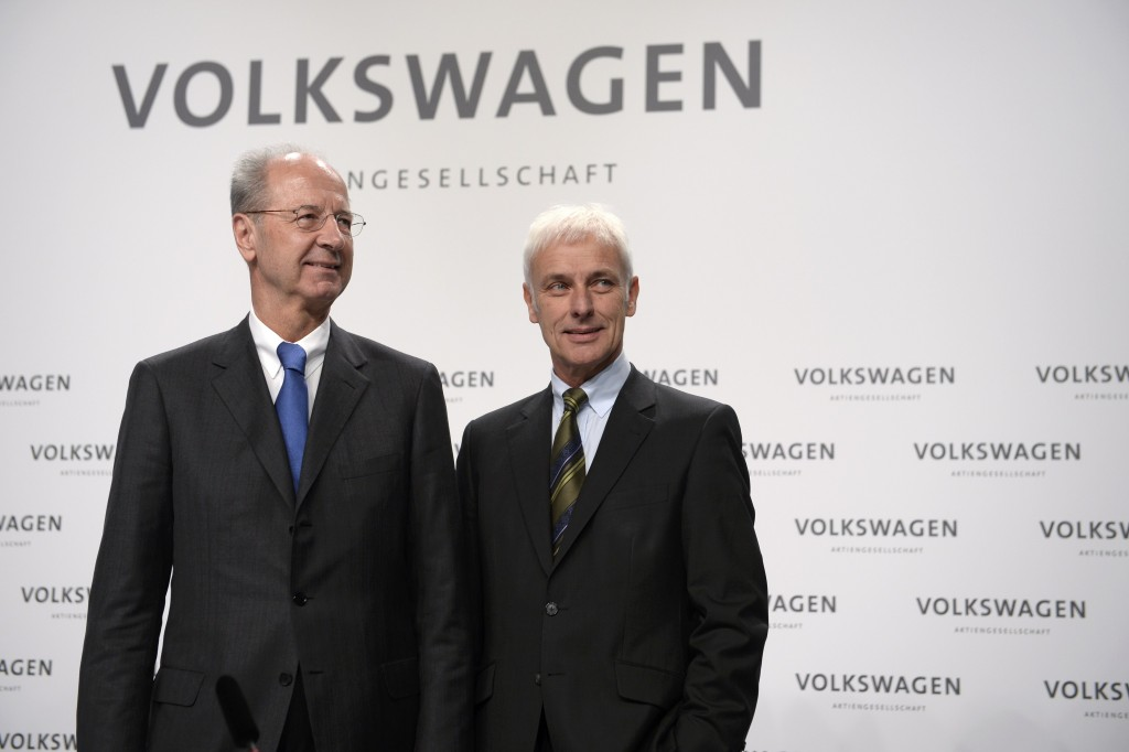 Volkswagen (VW) Chief Executive Matthias Mueller (R) and Chairman Hans Dieter Poetsch arrive for a news conference in Wolfsburg, Germany December 10, 2015. German car maker Volkswagen will publish intermediate results from the inquiries it launched in September after admitting to cheating diesel emissions tests in the United States, later today. REUTERS/Nigel Treblin EDITORIAL USE ONLY. NO ARCHIVES. NO RESALES.