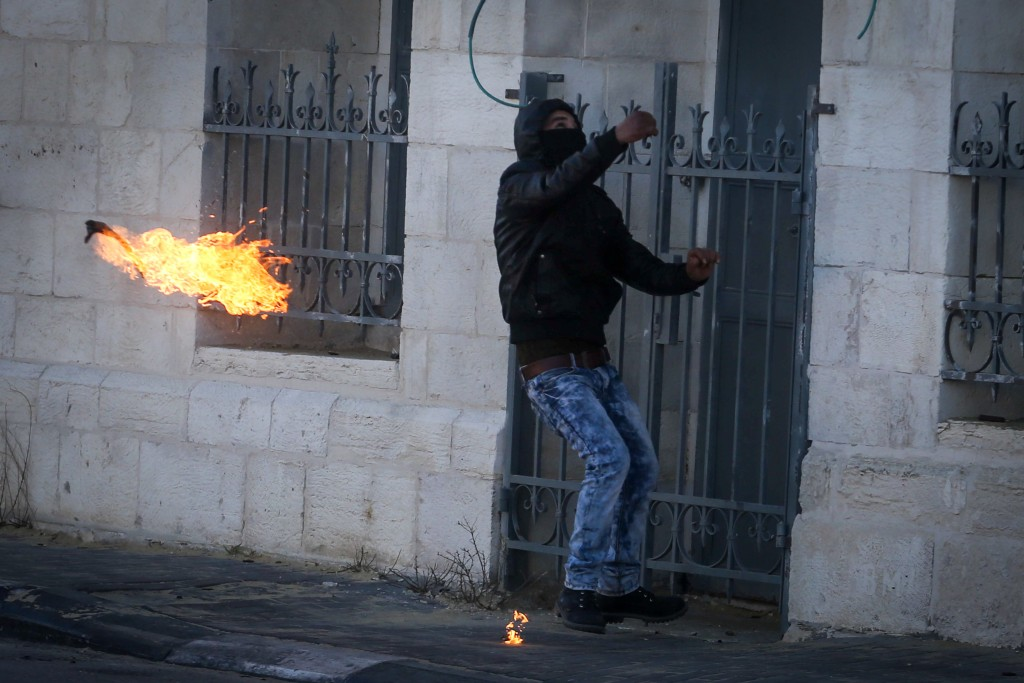 Palestinians riot in Bethlehem, December 8, 2015. Photo by Flash90