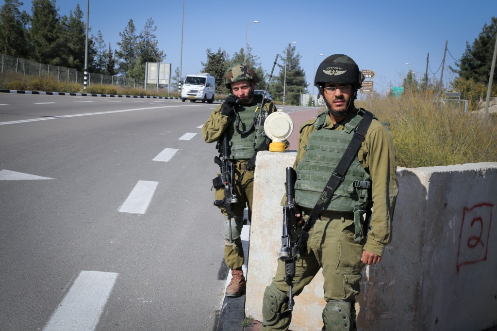 IDF checkpoint. Photo by Gershon Elinson/FLASH90
