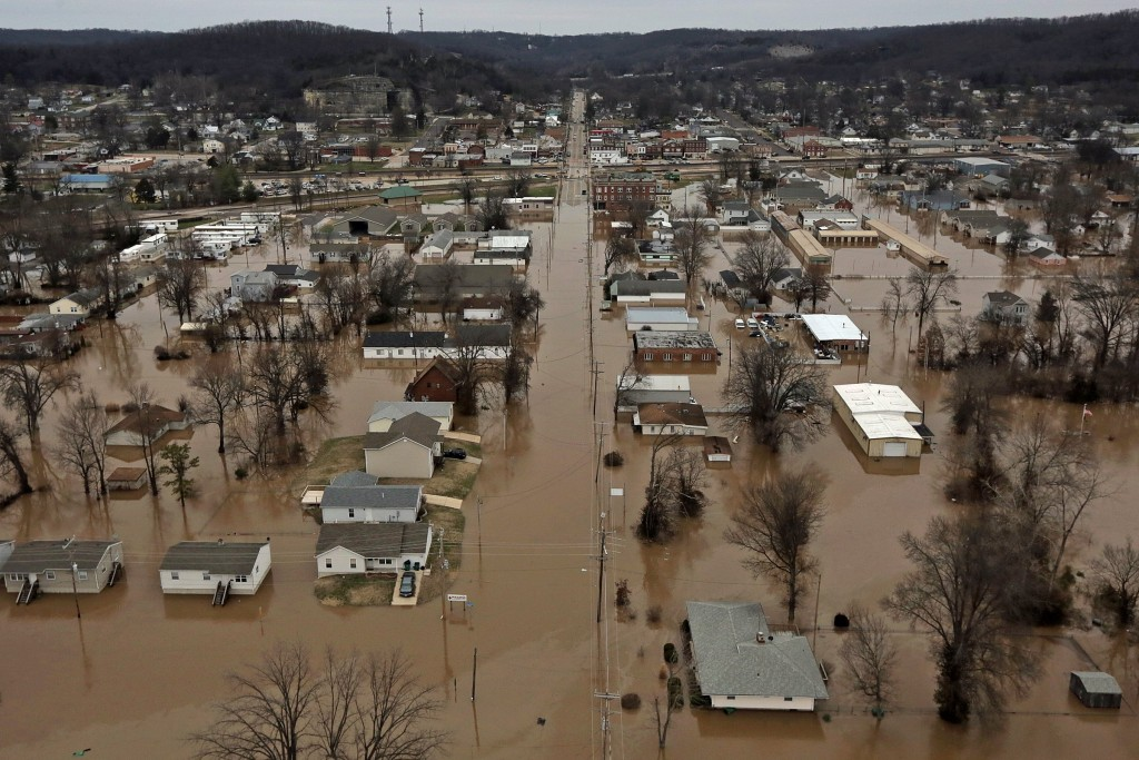 A flooded neighborhood in Pacific, Mo. (J.B. Forbes /St. Louis Post-Dispatch via AP)