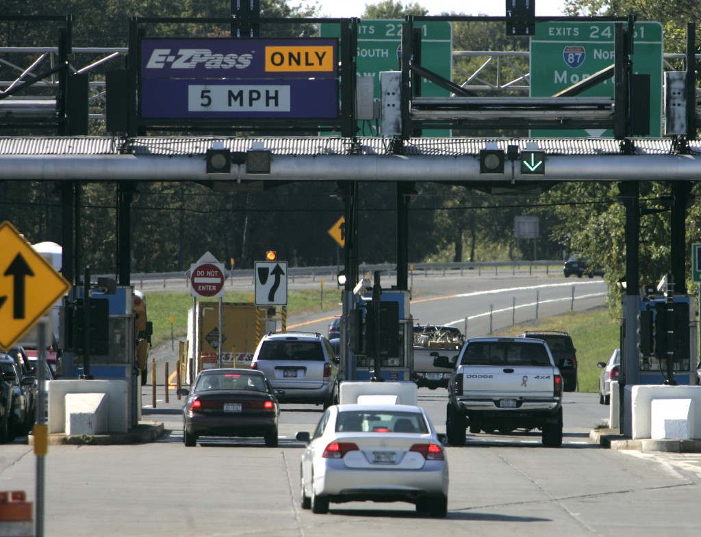 A New York State Thruway toll plaza in Albany. (AP Photo/Mike Groll)