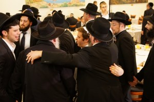 Dancing at the 25th Annual Shuvu Dinner at the Ramada Hotel in Yerushalayim - Kuvien Images