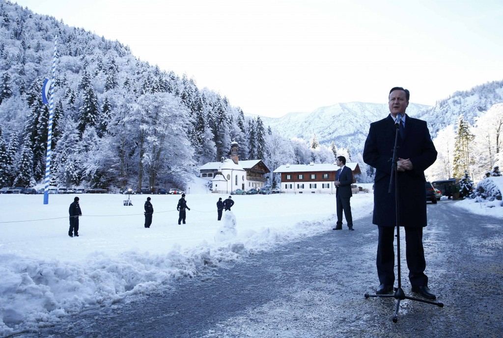 British Prime Minister David Cameron makes a statement during the second day of the Christian Social Union party (CSU) annual Epiphany meeting in the southern Bavarian resort of Wildbad Kreuth near Munich, Germany January 7, 2016.    REUTERS/Michael Dalder