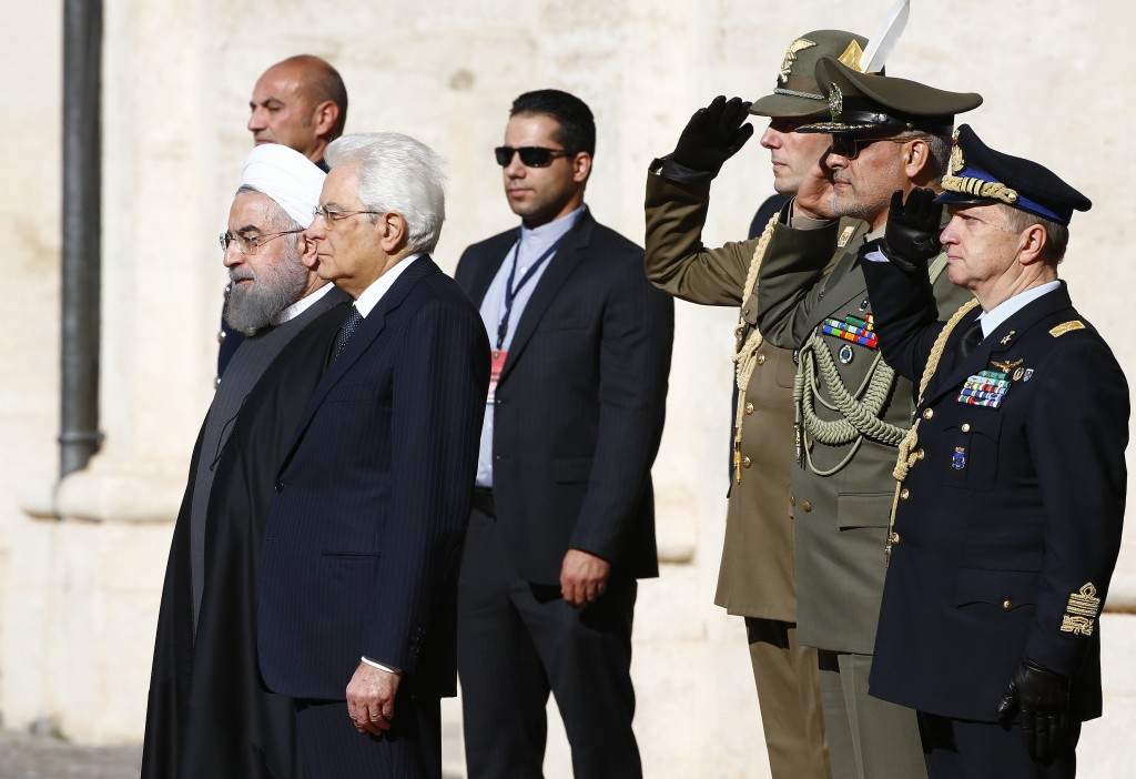 Iran President Hassan Rouhani (L) poses with the Italian President Sergio Mattarella at the Quirinale presidential palace in Rome, Italy, January 25, 2016. REUTERS/Tony Gentile