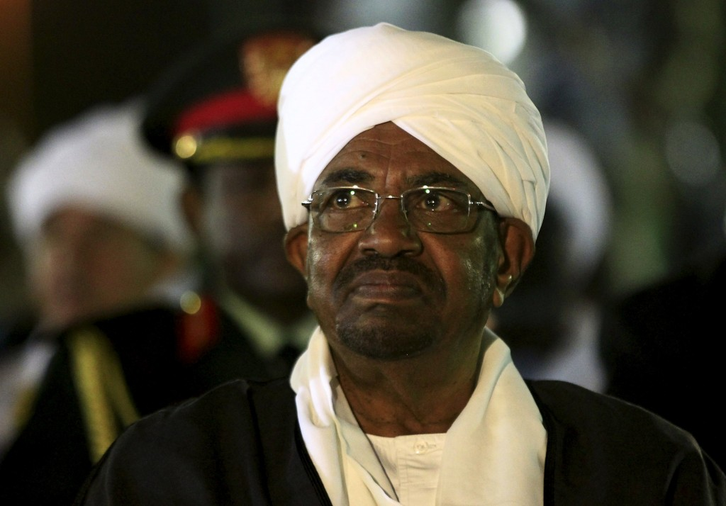 Sudan's President Omar al-Bashir looks on before addressing the nation on the eve of the anniversary of the its 60th Independence Day at the presidential palace in Khartoum, Sudan December 31, 2015. REUTERS/Mohamed Nureldin Abdallah