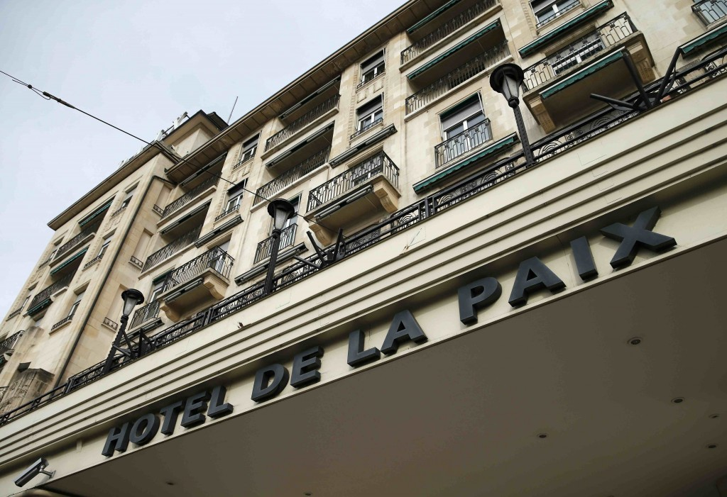 The Hotel de la Paix (hotel of peace) where Syrian opposition leaders hold a meeting is pictured in Lausanne, Switzerland January 27, 2016. Haytham Manna, the co-leader of the Syrian Democratic Council, told Reuters on Wednesday he would not take part in peace talks in Geneva unless two Kurdish leaders, Saleh Muslim and Ilham Ahmed, also get an invitation to participate. REUTERS/Denis Balibouse