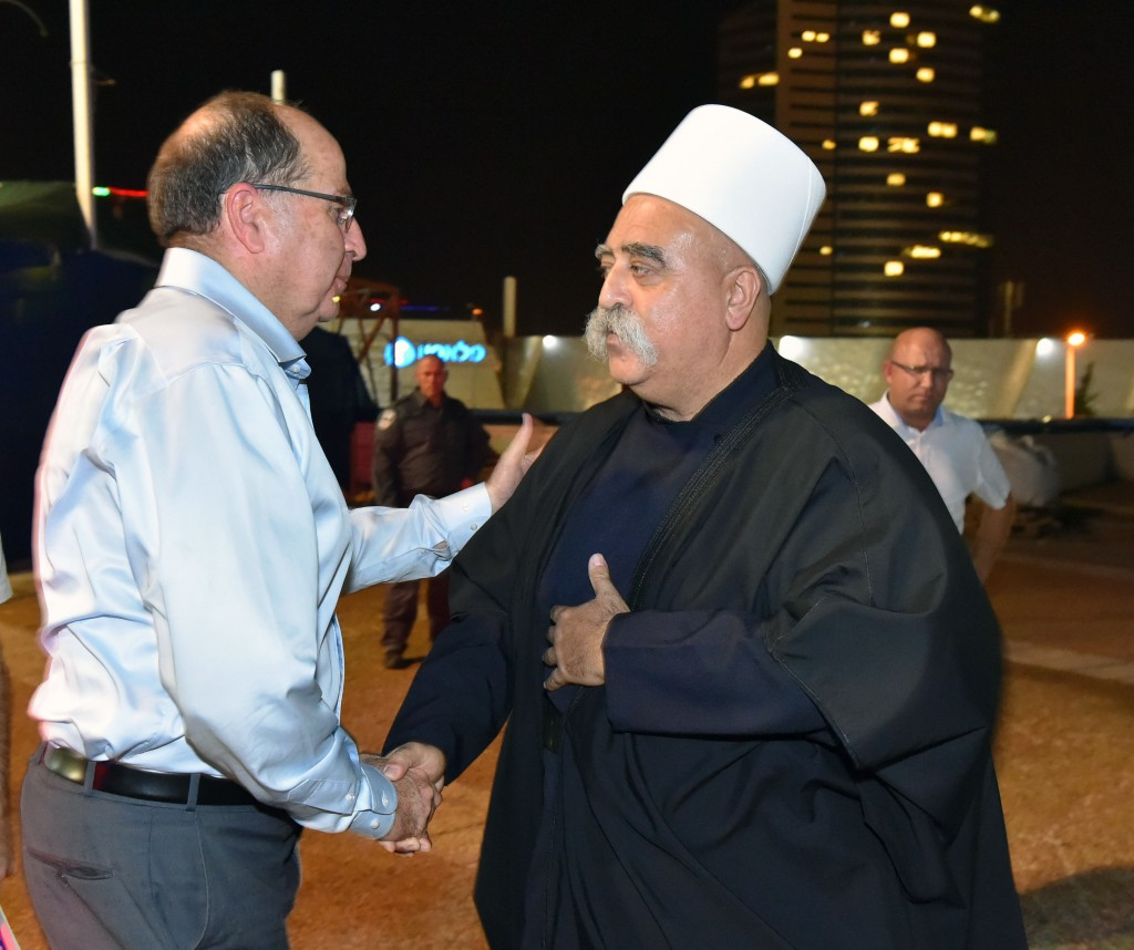 Defense Minister Moshe Yaalon seen at the honorary event for Druze soldiers, October 11, 2015. Photo by Ariel Hermoni/Flash90