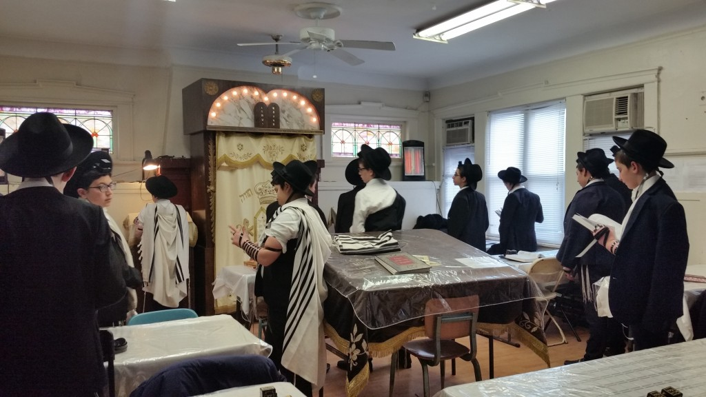 Bochurim began their midwinter break mornings at Pirchei / Zeirei with their own shacharis minyan, breakfast, and learning seder