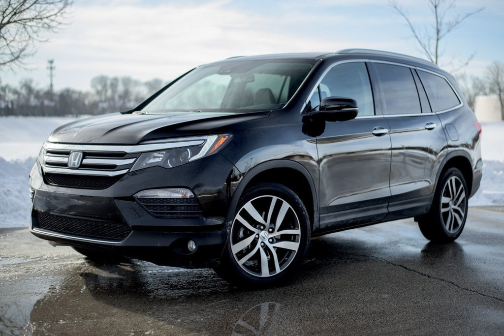 The 2016 Honda Pilot, in top-of-the-line Elite trim, utilizes a fuel-saving nine-speed transmission that is fraught with ponderous upshifts and lurching downshifts. (Tom Snitzer/TNS)