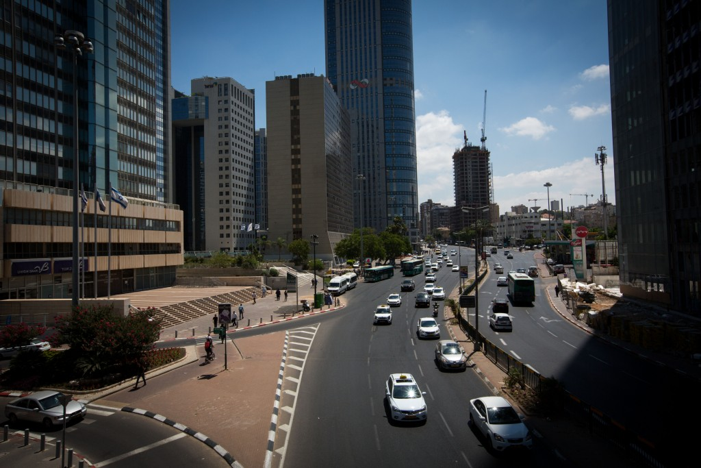 View of traffic in Ramat Gan. (Miriam Alster/Flash90)