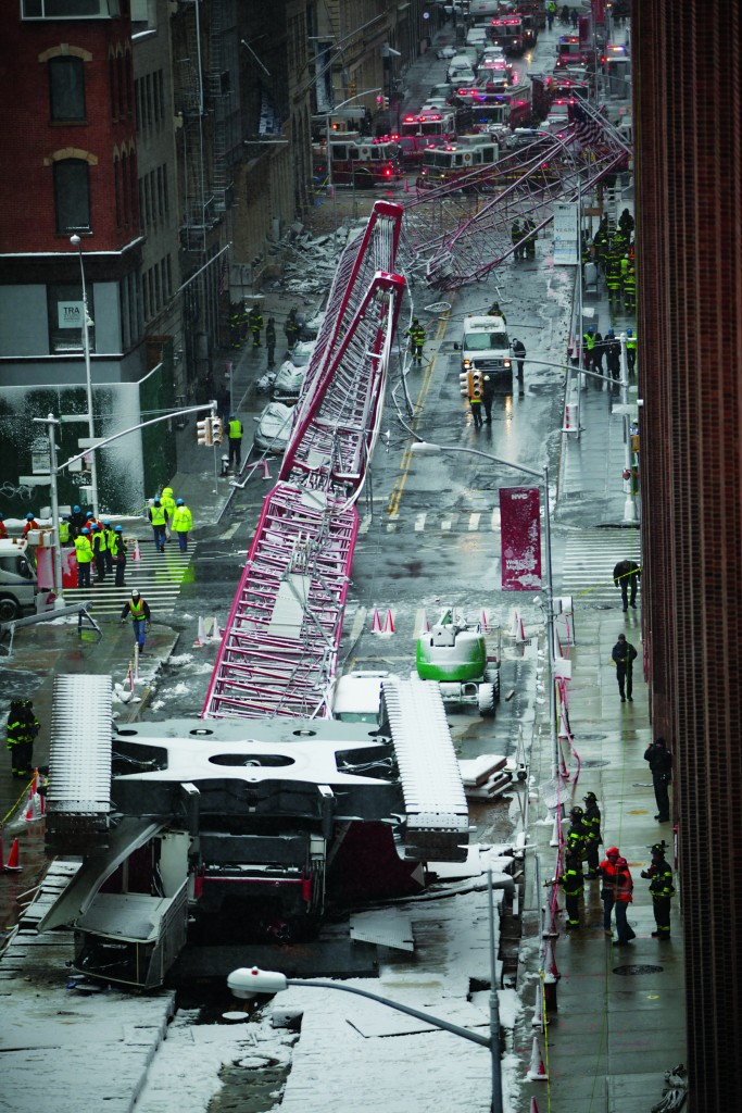 The crane that collapsed Friday onto Worth St. in New York. (Kevin R. Wexler/The Record via AP)