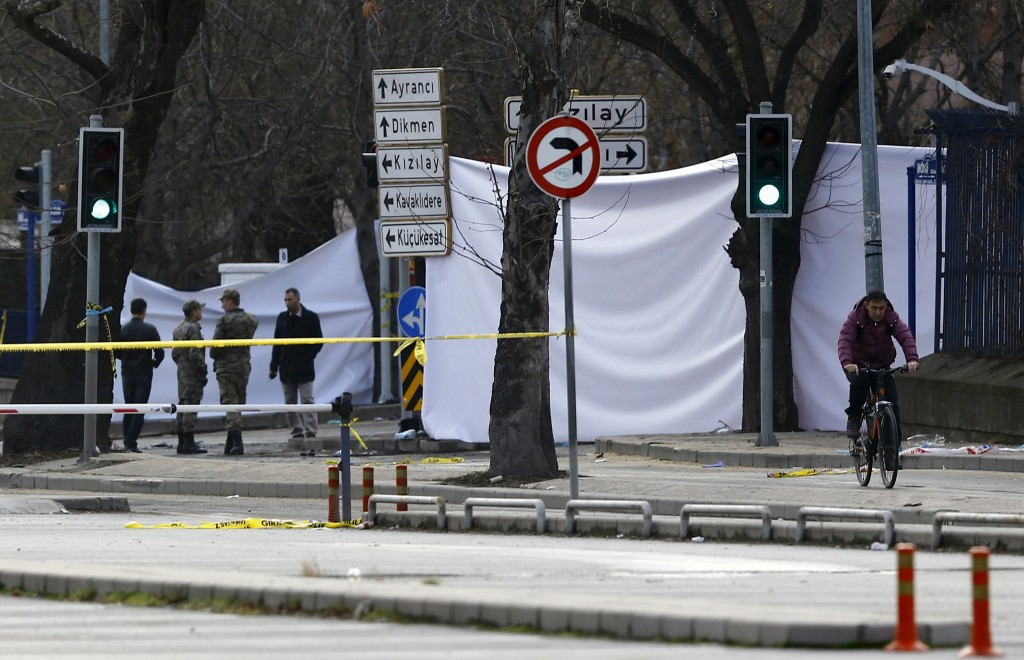 The entrance of a street which leads to the site of last night's explosion site, is blocked by canvas in Ankara, Turkey, February 18, 2016. Twenty-eight people were killed and dozens wounded in Turkey's capital Ankara on Wednesday when a car laden with explosives detonated next to military buses near the armed forces' headquarters, parliament and other government buildings. The Turkish military condemned what it described as a terrorist attack on the buses as they waited at traffic lights in the administrative heart of the NATO member's capital. REUTERS/Umit Bektas