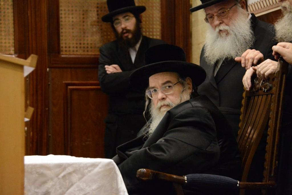 Belzer Rebbe shlita Speaking at a Kinus for women of the Belza Kehillos worldwide, Sunday. (JDN)