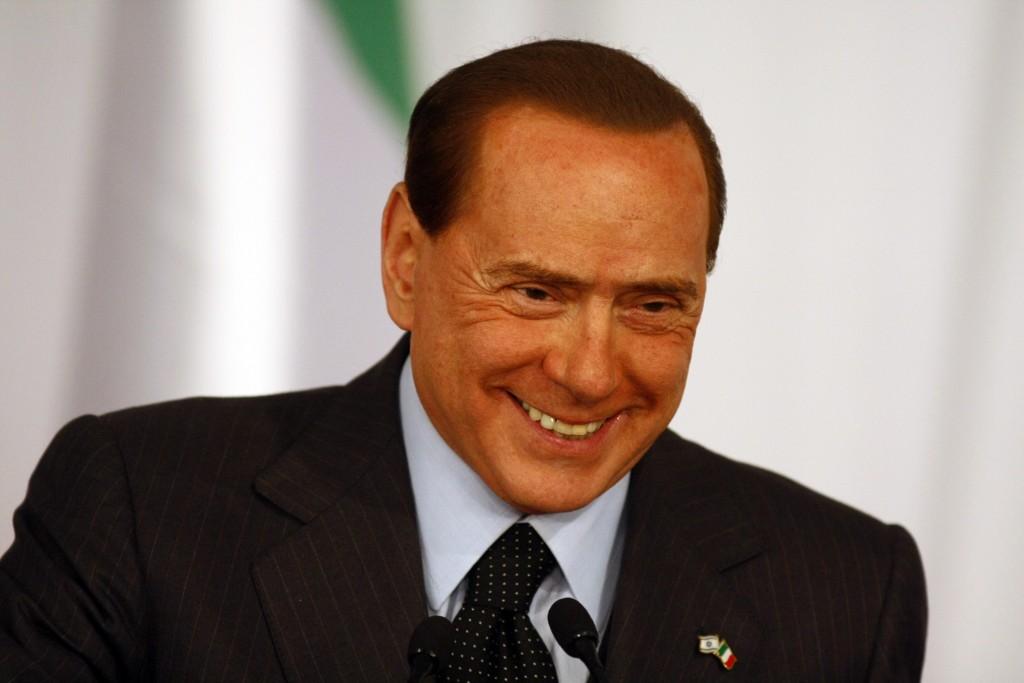 A news conference with his Italian counterpart Silvio Berlusconi (L) at Netanyahu's office in Jerusalem February 2, 2010.photo by Abir Sultan/Flash 90 *** Local Caption *** ñéìáéå áøìåñ÷åðé áðéîéï ðúðéäå îñéáú òéúåðàéí àéèìéä éùøàì îùøã øàù äîîùìä