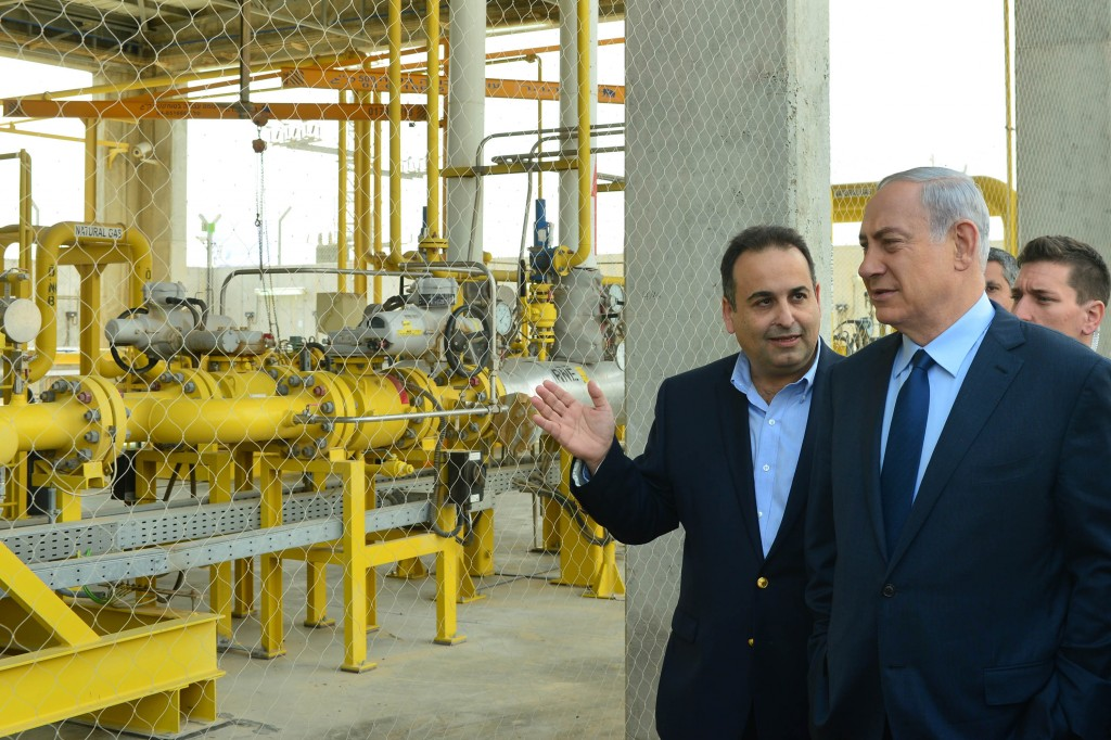 Israel Prime Minister Binyamin Netanyahu seen during a tour in Ramat Chovav industrial zone in the Southern Israel on December 17, 2015, on the day he signed the natural-gas deal at a ceremony in Ramat Chovav. (Kobi Gideon/GPO)