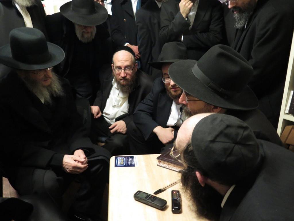 "Nichum Aveilim at the home of Hagaon Harav Yisroel Belsky zt""l Rosh Yeshivas Torah Voodath. (JDN)"
