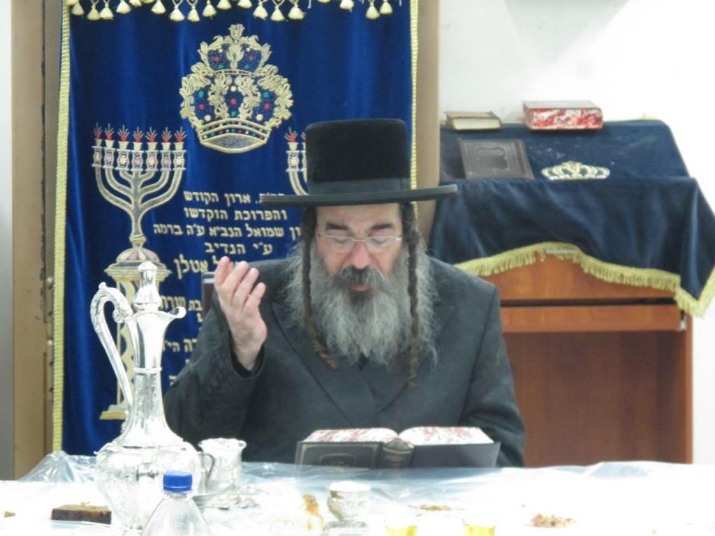 """Radashitz Rebbe at the Yurtzeit Seudah of the Birkas Moshe of Lelov Zy""""u - Photo Credit: Shloimy Krausz"""