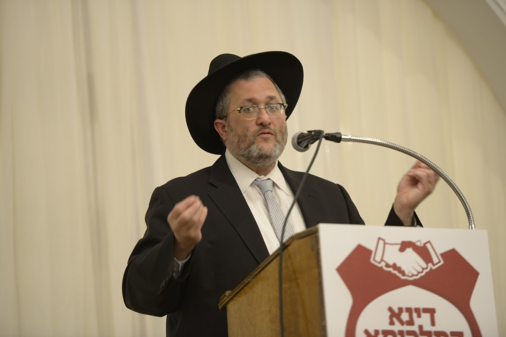 Lakewood committeeman, Mr. Meir Lichtenstein addressing the event. (JDN/S.O.S. Images)