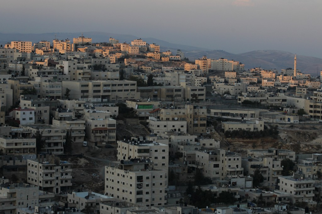 View of the Arab village of Issawiya. Photo by Nati Shohat/Flash90