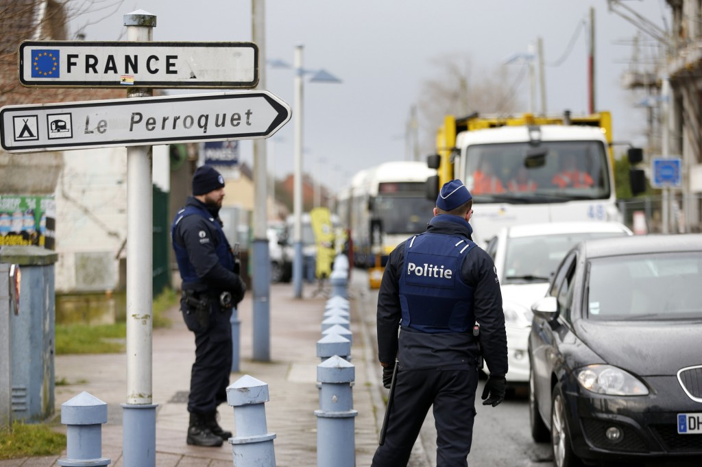 Belgian police officers making checks at the border from France to Belgium last month. (Reuters/Francois Lenoir)