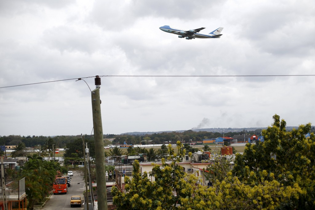 Air Force One carrying U.S. President Barack Obama and his family departs from the Jose Marti international airport in Havana, March 22, 2016. (Ivan Alvarado/Reuters)