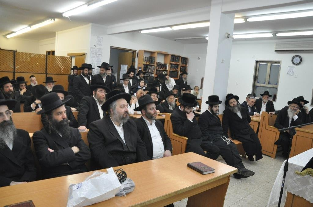 A partial view of the crowd at the hesped. (Yehuda Perkowitz)