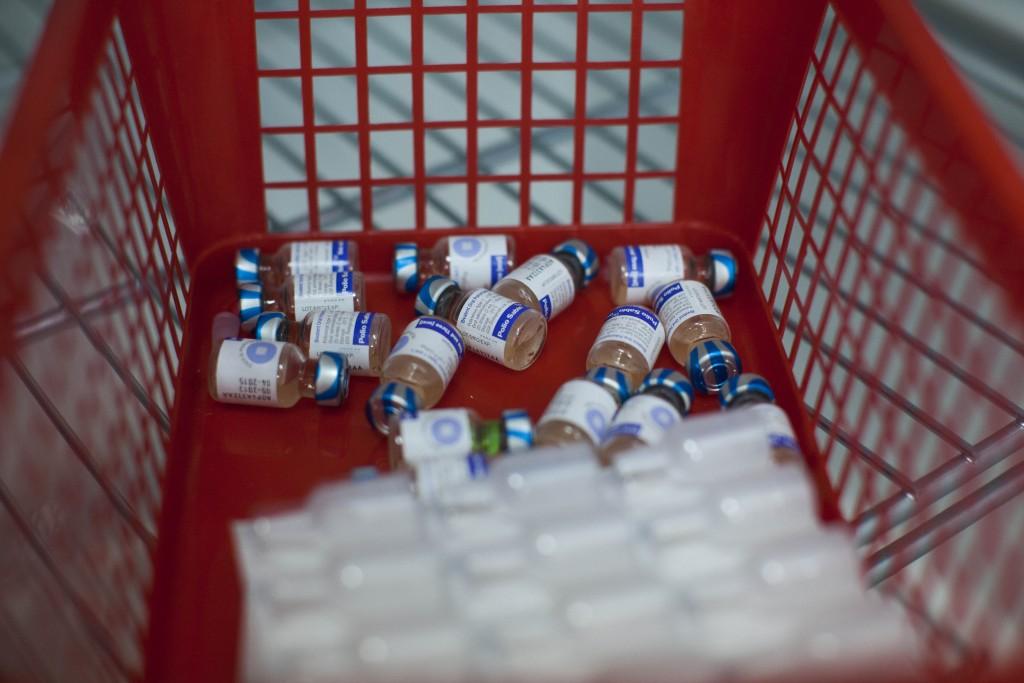 An illustration picture of the polio medication in a Children's Medical Center in Neve Yaakov, Jerusalem, 10 September 2013. Polio virus has been found in Jerusalem's sewers for the first time since Israel eliminated the disease, the nation's Heath Ministry announced on Monday. No children are known to have been paralyzed by the disease. Photo by Yonatan Sindel/Flash90 *** Local Caption *** ôåìéå çéñåï îùøã áøéàåú úøåôä áøéàåú á÷áå÷ çéñåï éìã