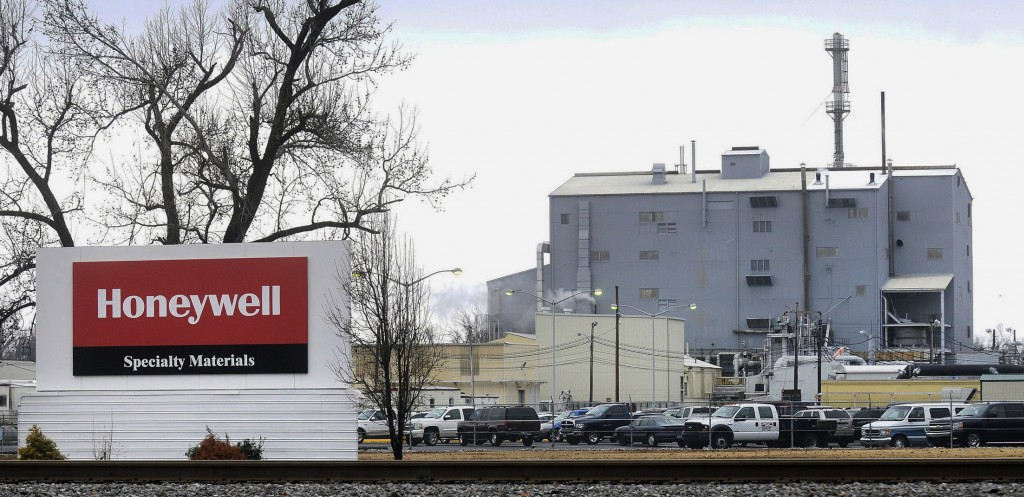 The Honeywell Specialty Materials plant in Metropolis, Ill. (Steve Jahnke/The Southern Illinoisan via AP, File)