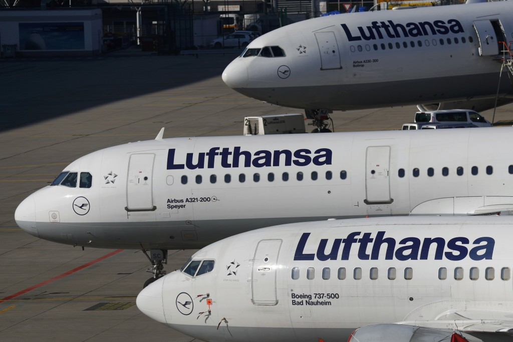 Planes of Lufthansa airline stand on tarmac in Frankfurt airport, Germany, March 17, 2016. REUTERS/Kai Pfaffenbach