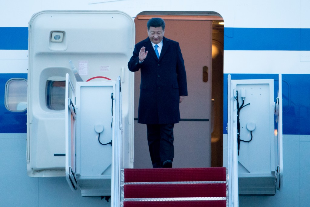 Chinese President Xi Jinping arrives at Andrews Air Force Base, Md., Wednesday, March 30, 2016. Xi is in Washington to attend the Nuclear Security Summit. (AP Photo/Andrew Harnik)