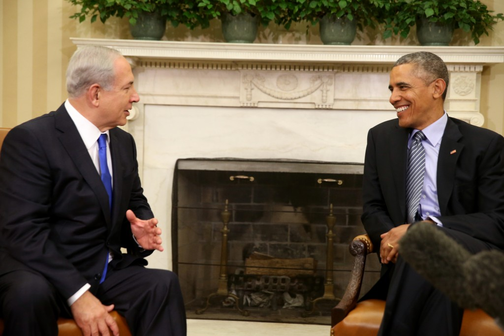 President Barack Obama meets with Israeli Prime Minister Benjamin Netanyahu in the Oval Office of the White House in Washington, Monday, Nov. 9, 2015. The president and prime minister sought to mend their fractured relationship during their meeting, the first time they have talked face to face in more than a year. (AP Photo/Andrew Harnik)