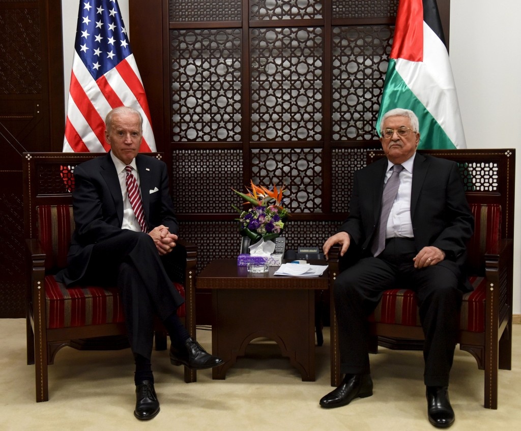 U.S. Vice-President Joe Biden (L) meets with Palestinian President Mahmoud Abbas in the West Bank city of Ramallah March 9, 2016. REUTERS/Debbie Hill/Pool